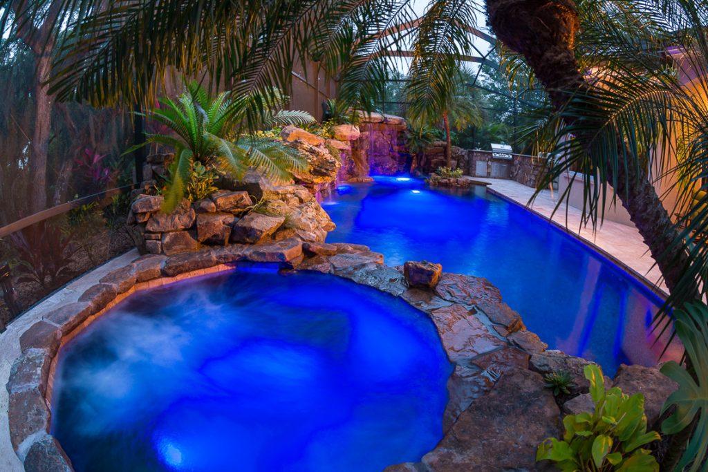 Animal planet insane pools for Pool show animal planet